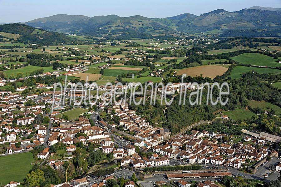 Photo a rienne saint jean pied de port 22 pyr n es atlantiques paf - Les pyrenees saint jean pied de port ...